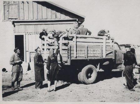 молодежь совхоза отправляют на учебу в г. Петропавловск 1959 г.