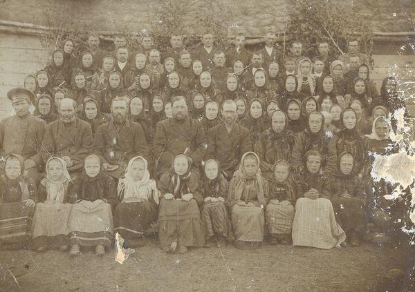 Первые жители села Петерфельд